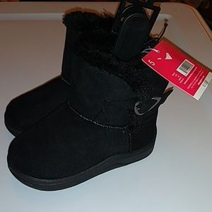 Infant boots w/ lining.